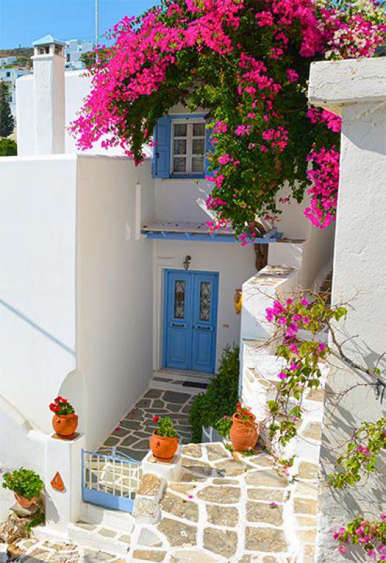 Tuinposter Griekse blauwe deur Griekenland